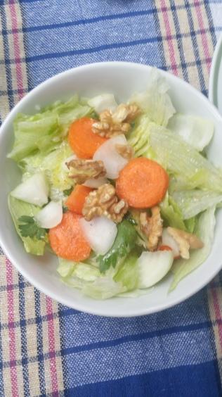 yanında salata